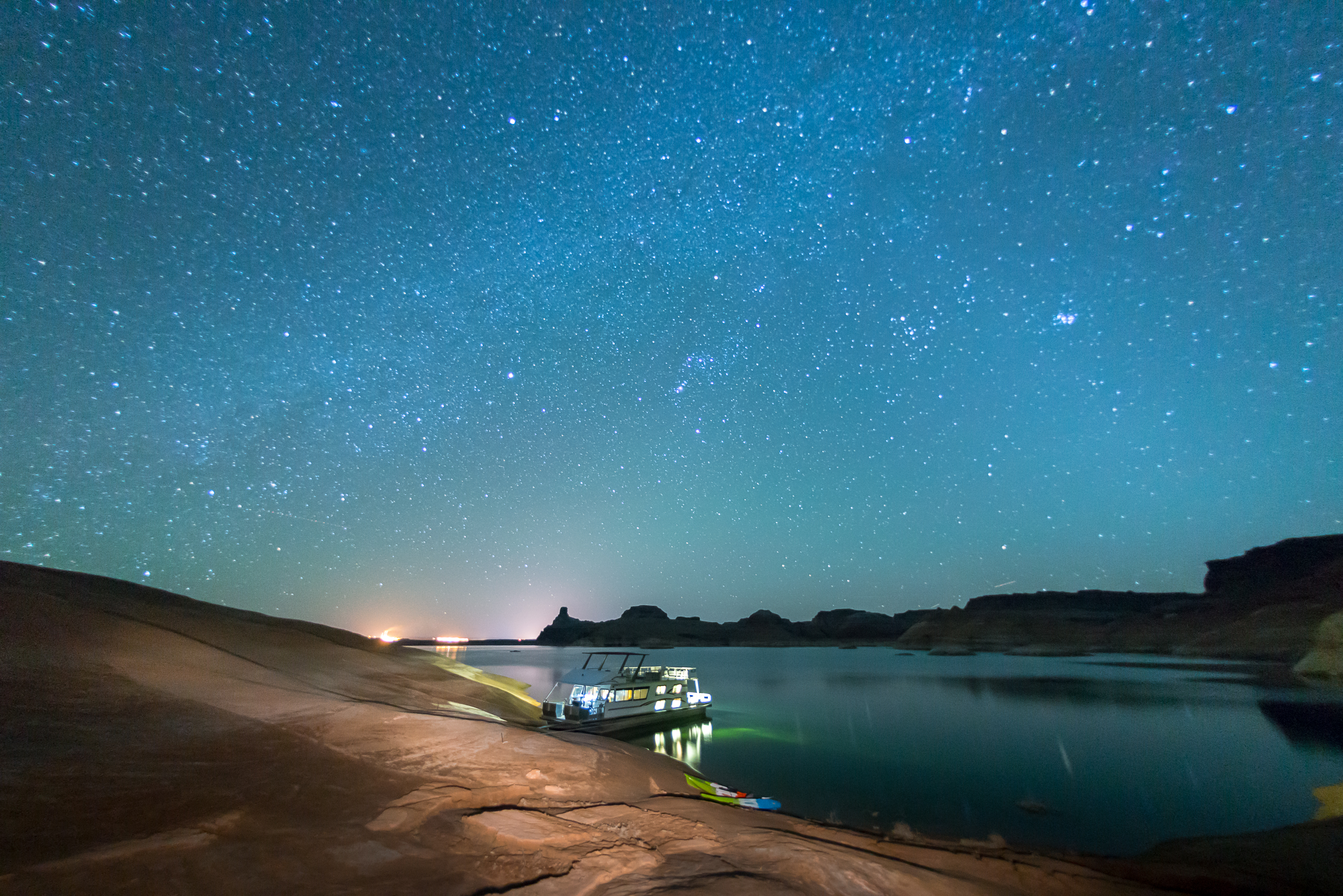 Houseboating Under the Stars