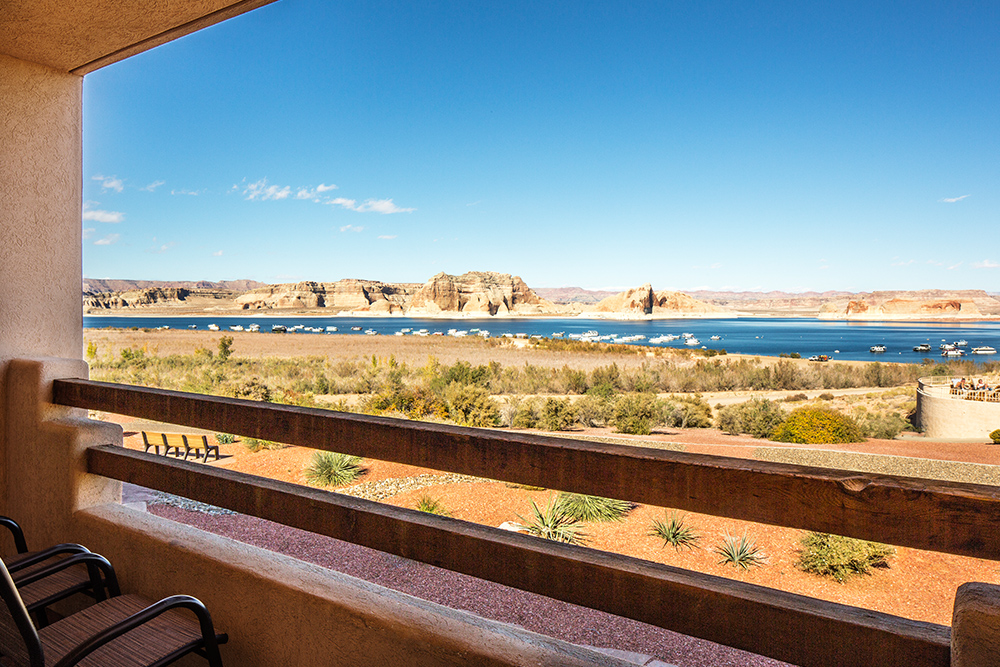 Wake Up to Breath-Taking Views at Lake Powell