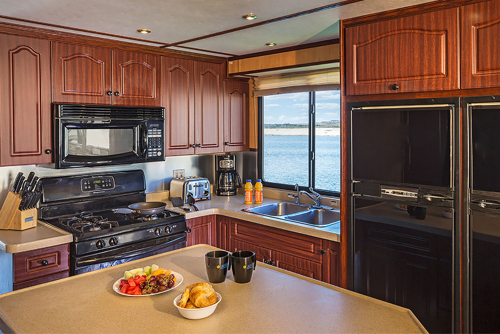 The Navigator Deluxe Houseboat | Available For Rent At Lake Powell In AZ