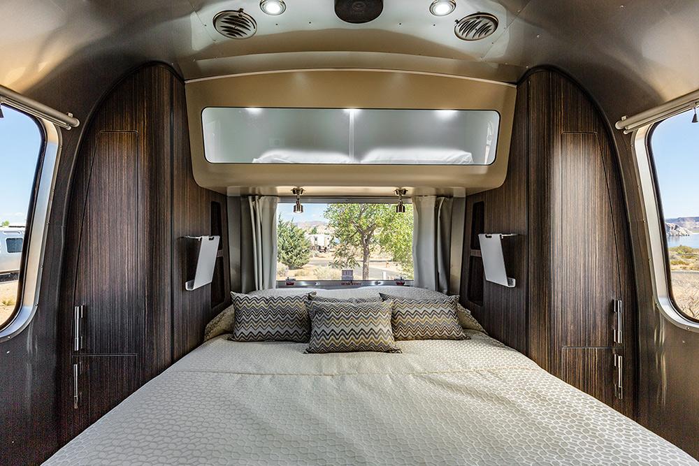 Airstream Camping   Lake Powell Resorts & Marina